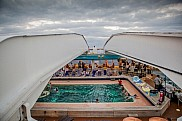 Maasdam- pool-deck with removable roof